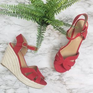 American Eagle 8.5 Red Wedges
